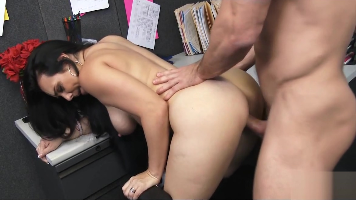Quick Office Fuck With Sweet Tits Babe Holly West Amber le bon porn
