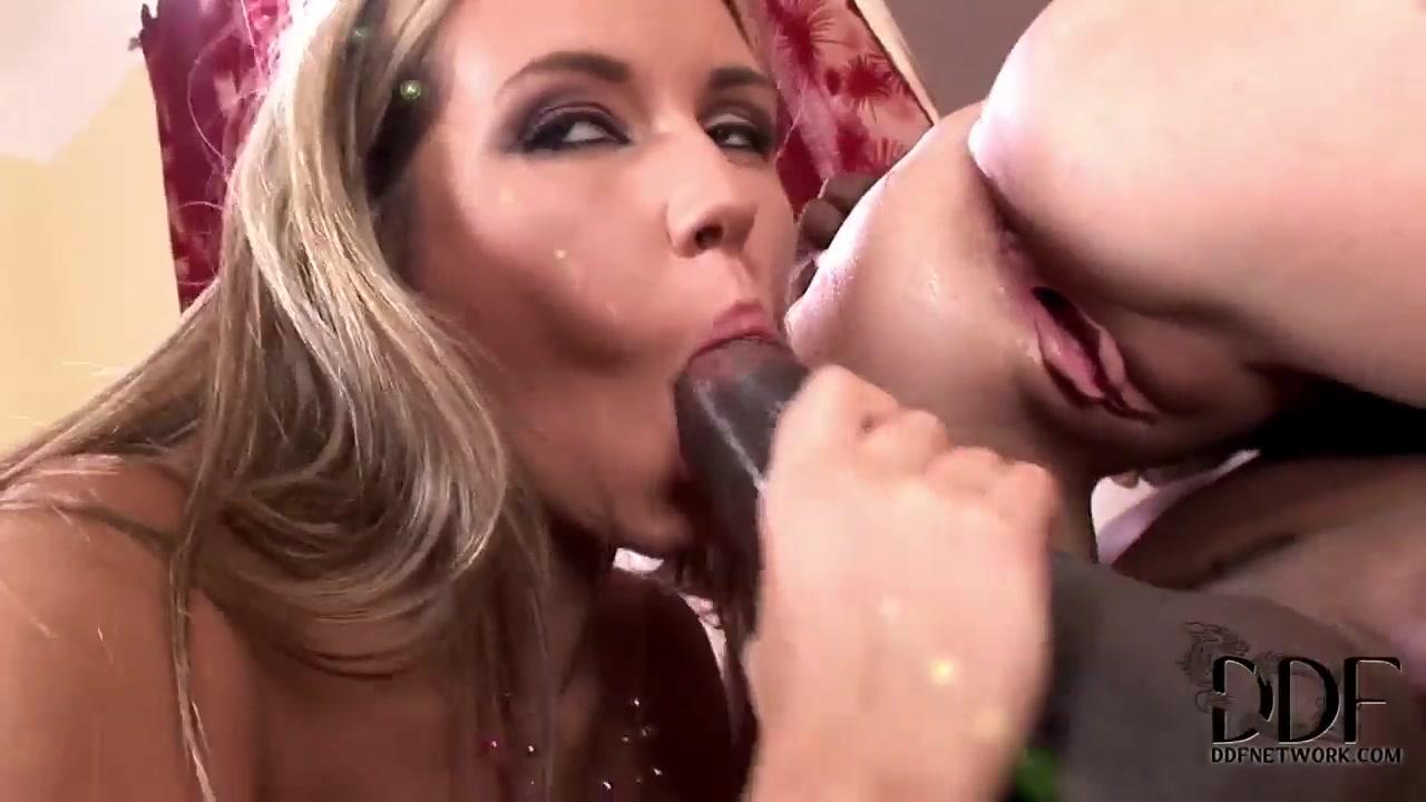 xXx Galleries Mature huge saggy tits