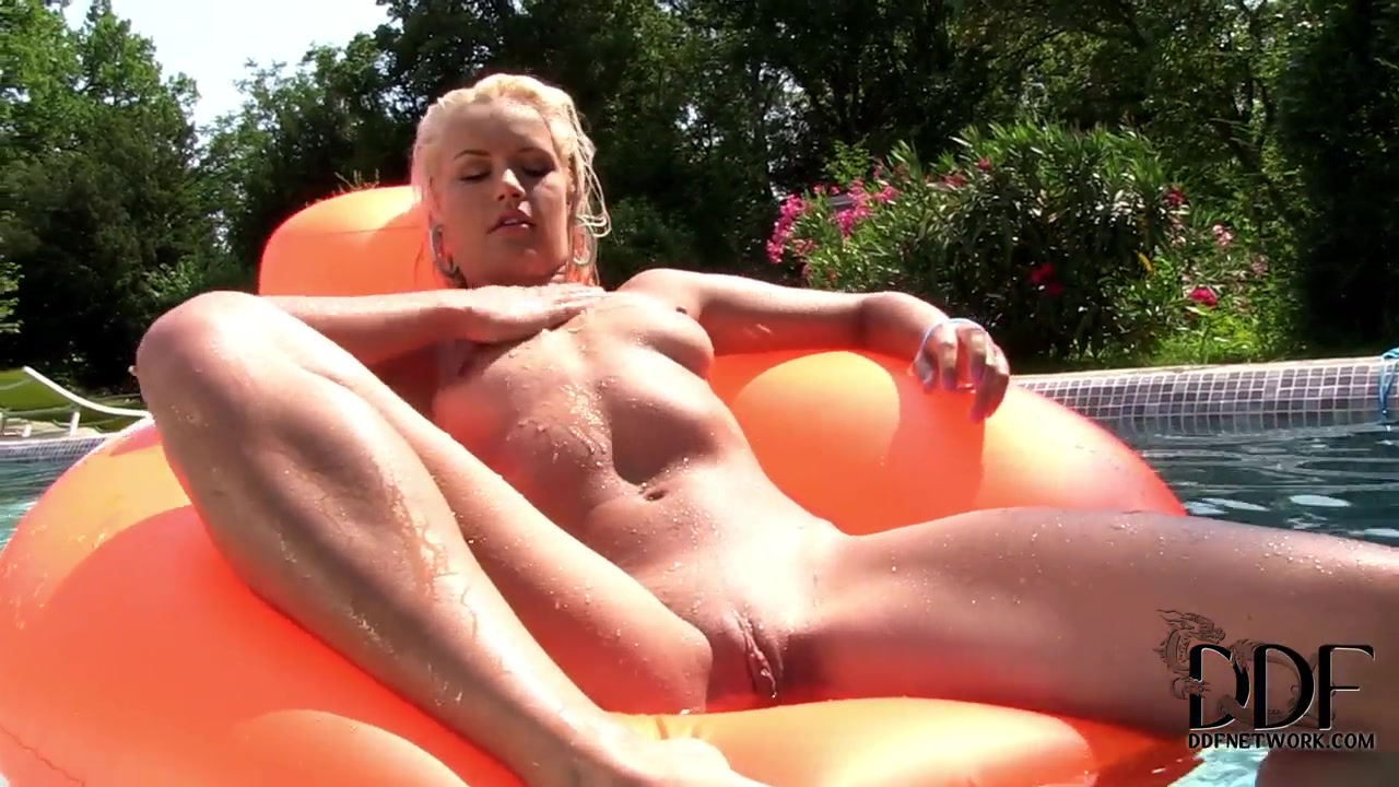 New xXx Video Breast playing sucking pleasure