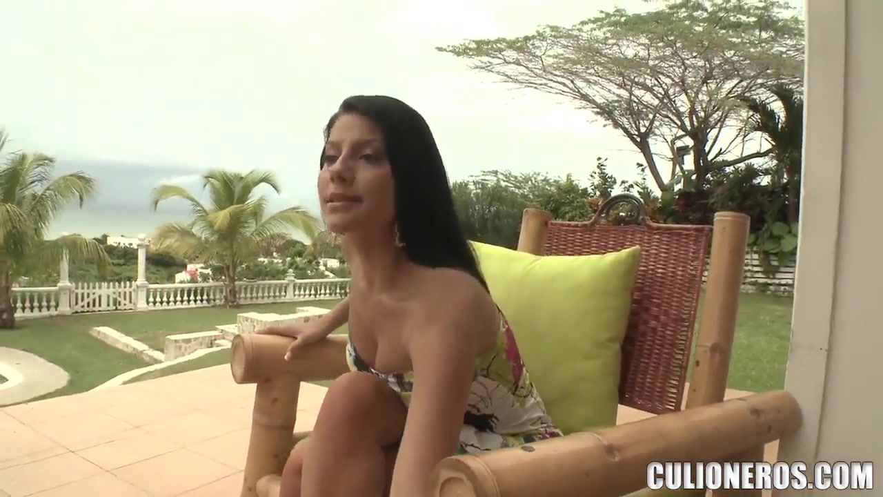 Porn archive Beautiful Vanessa comes with a proposition