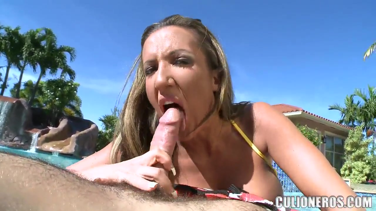 Richelle Ryan sucks off a Latinos big wang She Loves Bisexuals