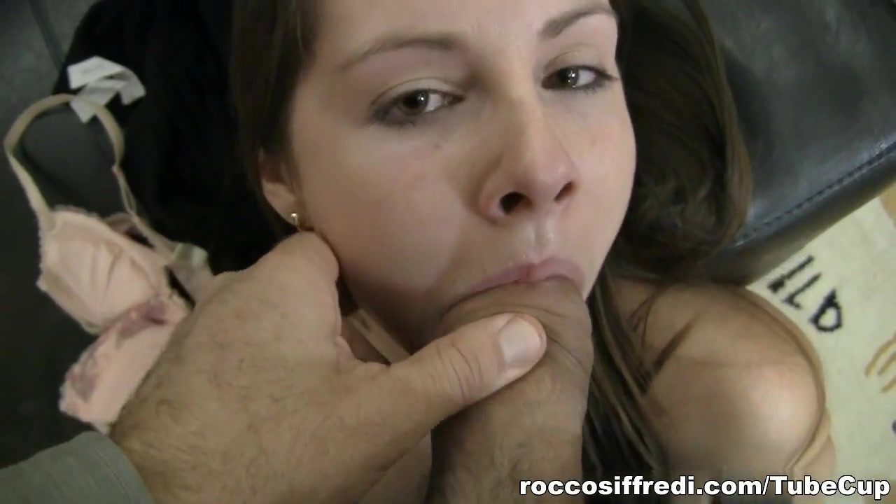 Sexy xxx video Hookup a man who is shorter than you