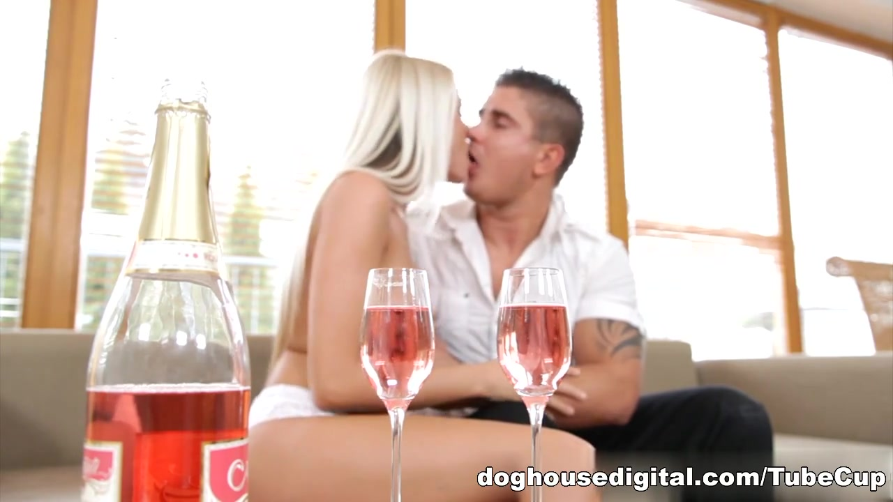 Sucking two cocks together Hot xXx Pics