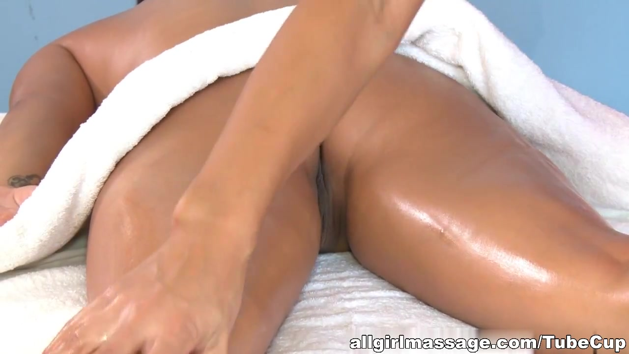 Orgu images sexual Lesbain