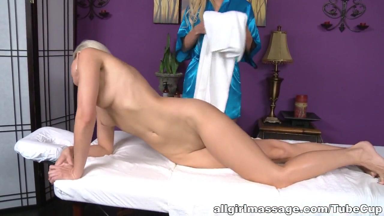 Fuckin naked lesbos Scissoring