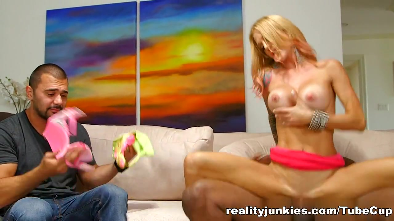Adult videos Vidya balan kissing scene