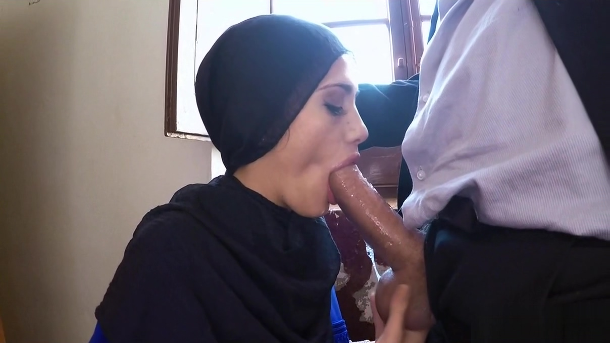 Slow cock sucking arab Oral sex breathing