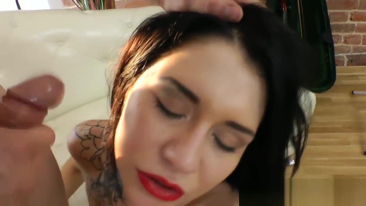 Babe anally fucked doggystyle