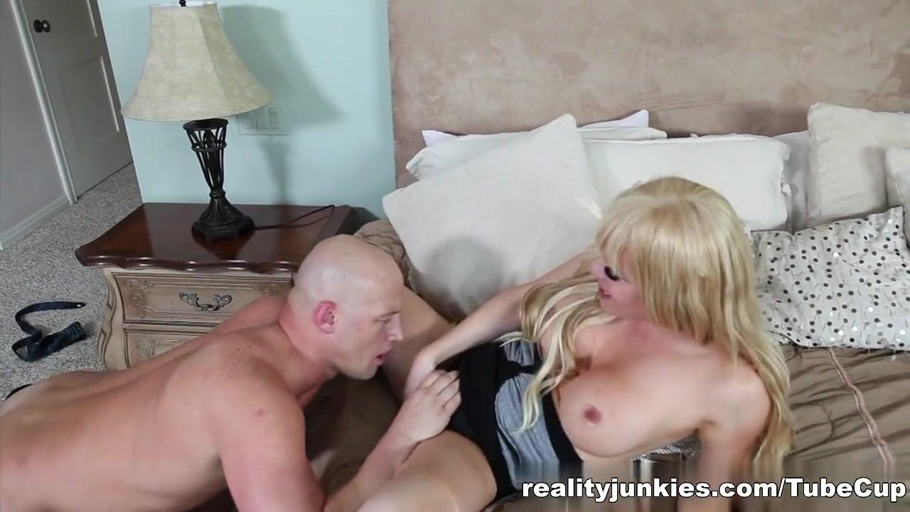 Naked xXx Hot swedish women porn