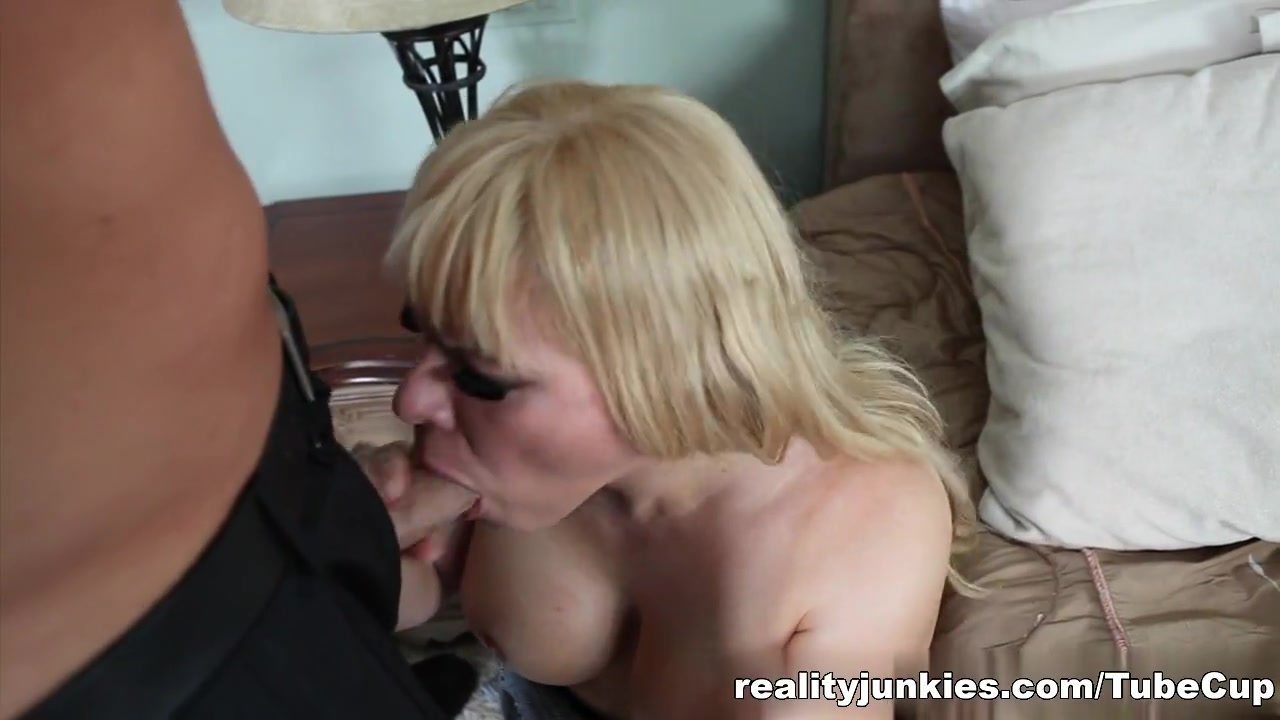 Big clit and meaty pussy Adult videos