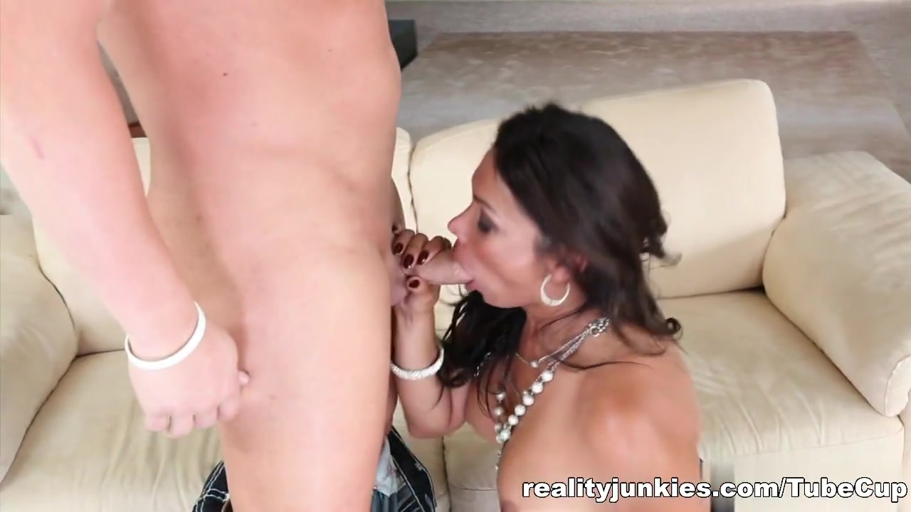 Muvanje online dating Sexy por pics