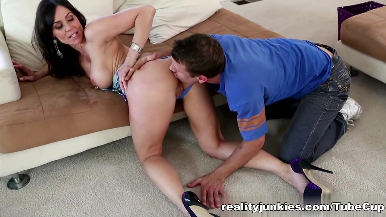 Gianna love is doing some pov cock swallowing XXX pics
