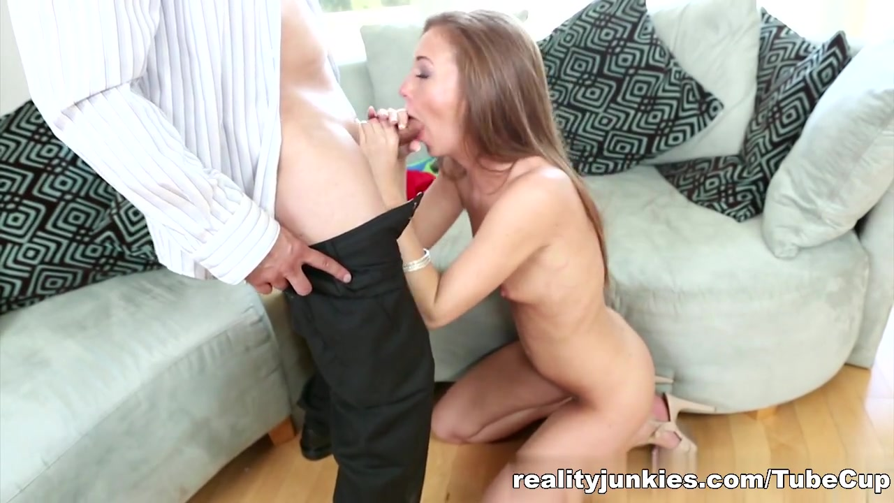 mature woman closeup blowjobs animated FuckBook Base