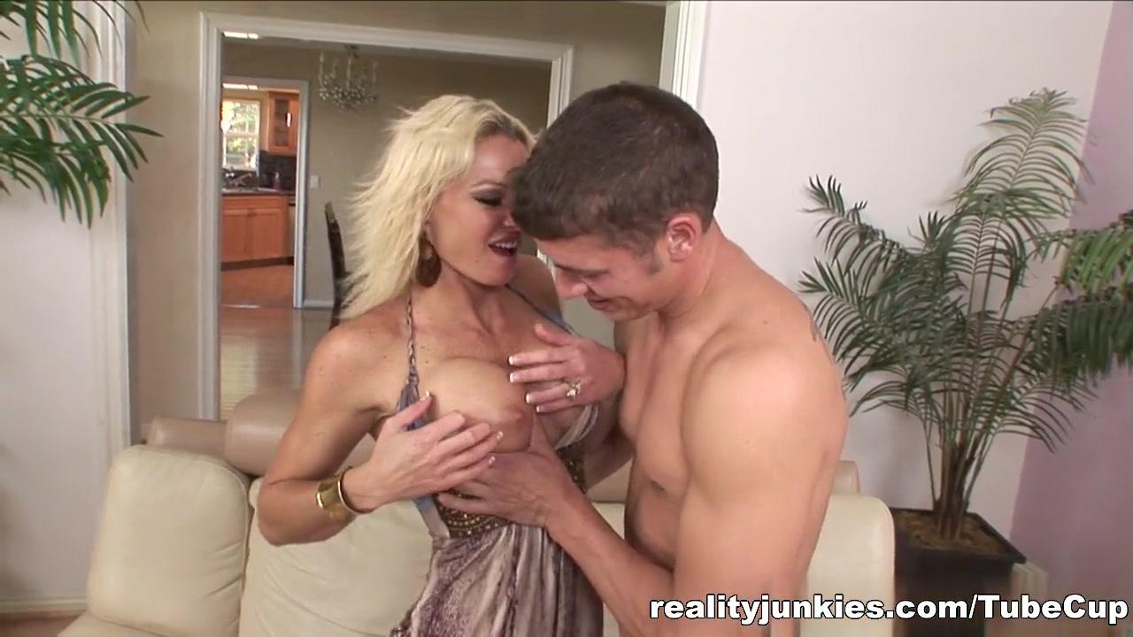 Porn galleries Free mature nurse porn