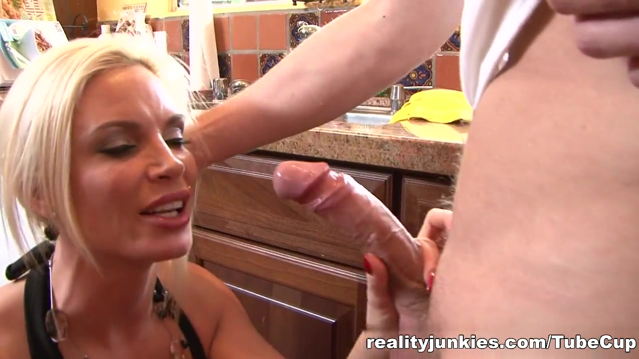 Adult Videos Femdom forced castration
