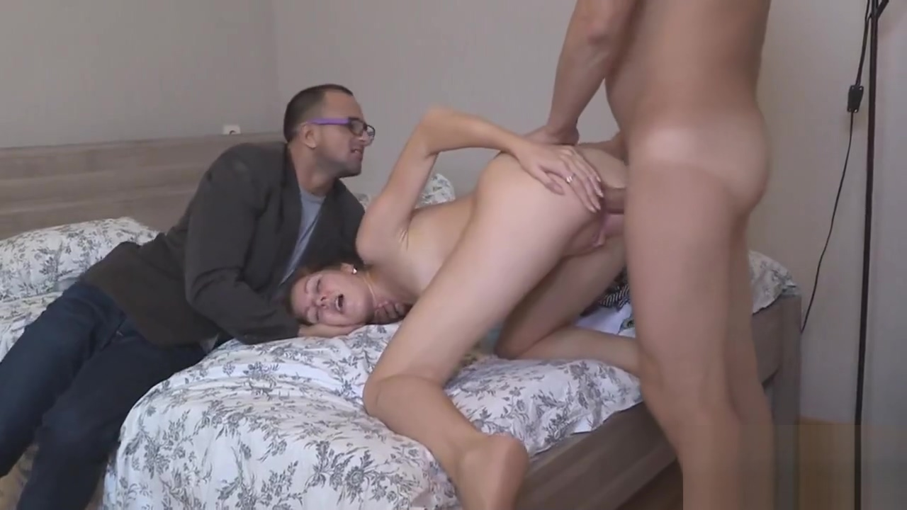 Poor lover lets horny friend to drill his gf for money home treatment for adult oral yeast