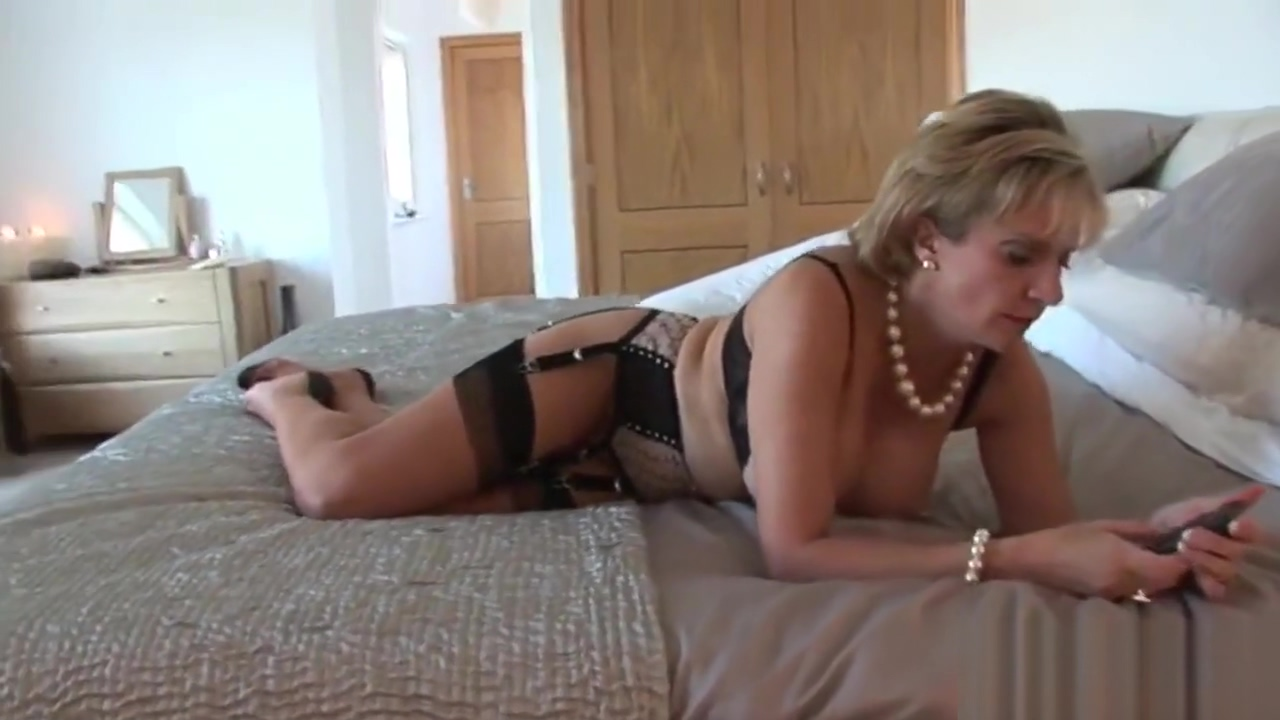 Unfaithful english milf gill ellis pops out her oversized titties Celebrity tits gif