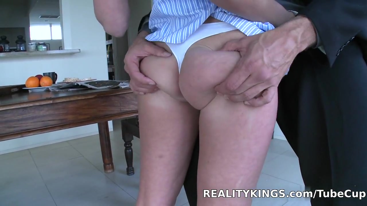 Naked 18+ Gallery How to start a sex party