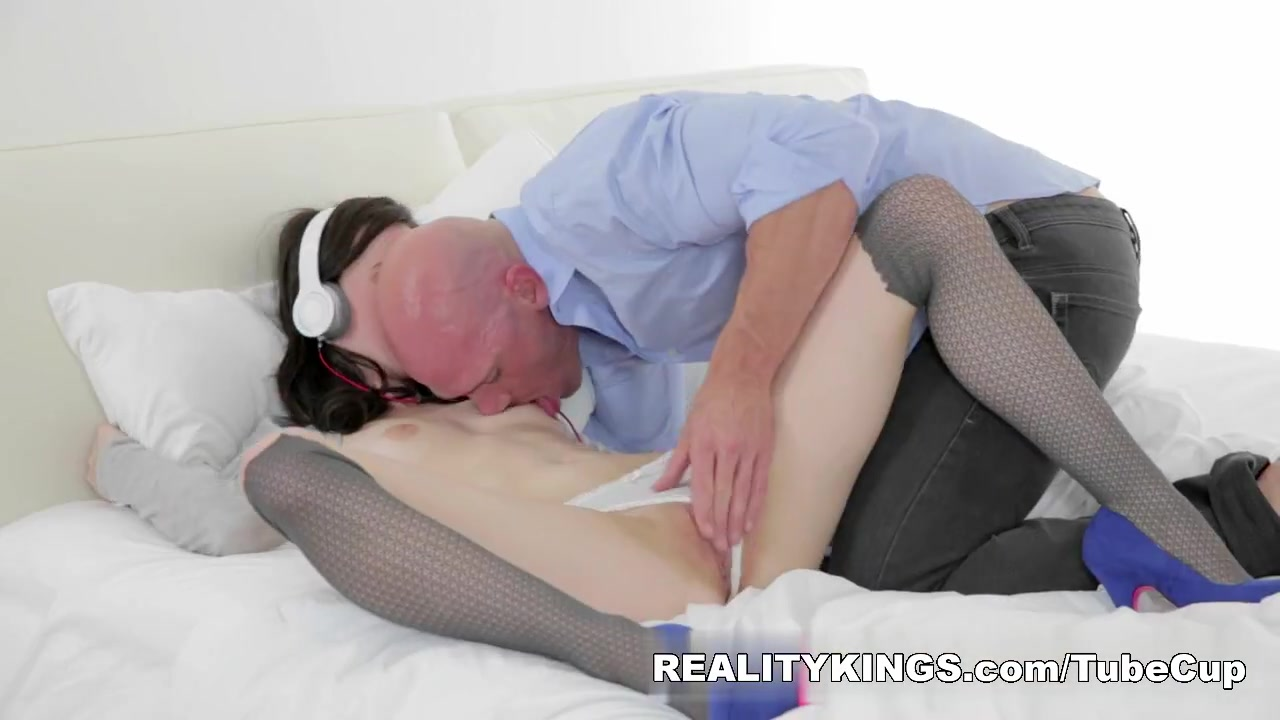 Hot xXx Video Milf gets a booty call