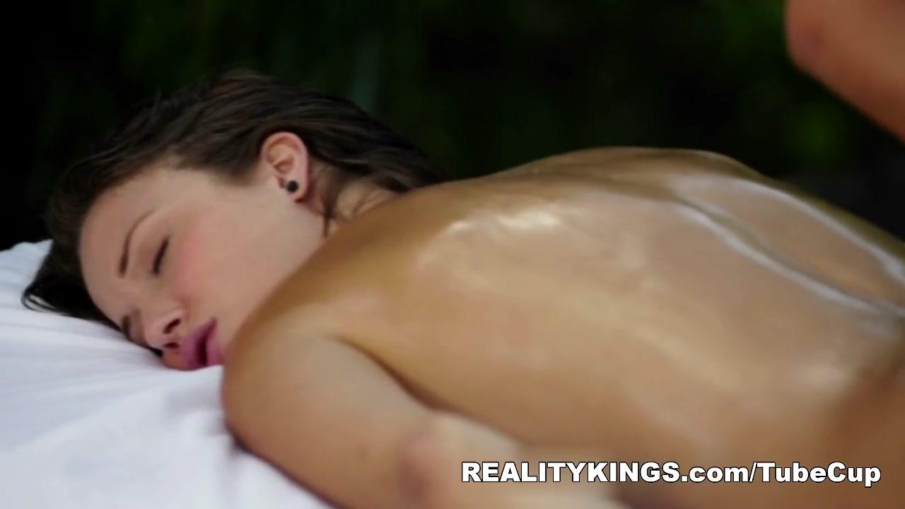 Vidieos naked Lesbin fuckin