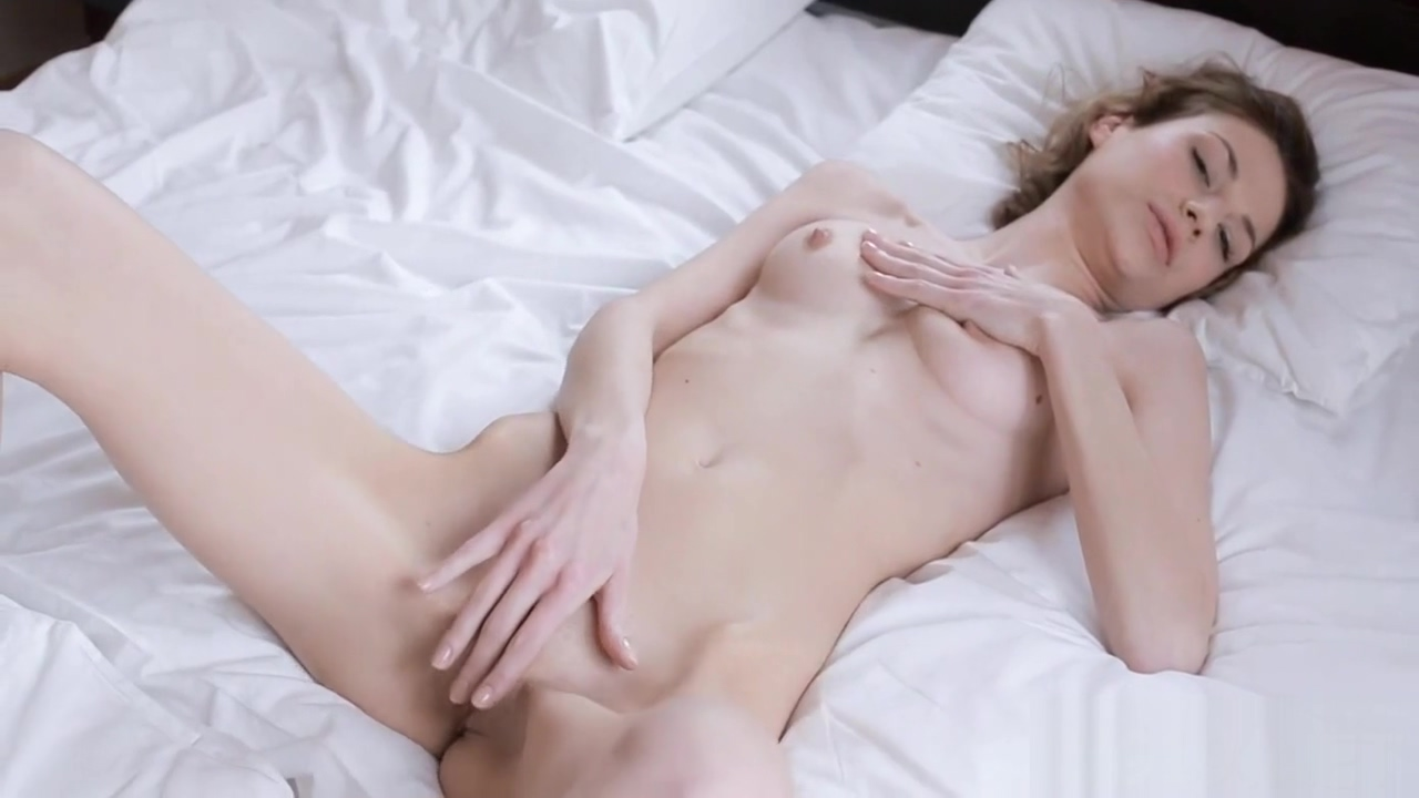 Beauty plays with dildo Sexy lesbian gif boobs cum