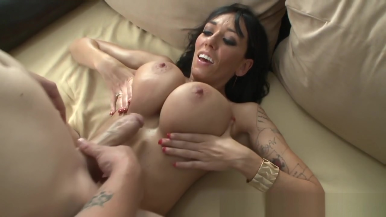 Titfucking milf with bigtits blows in pov