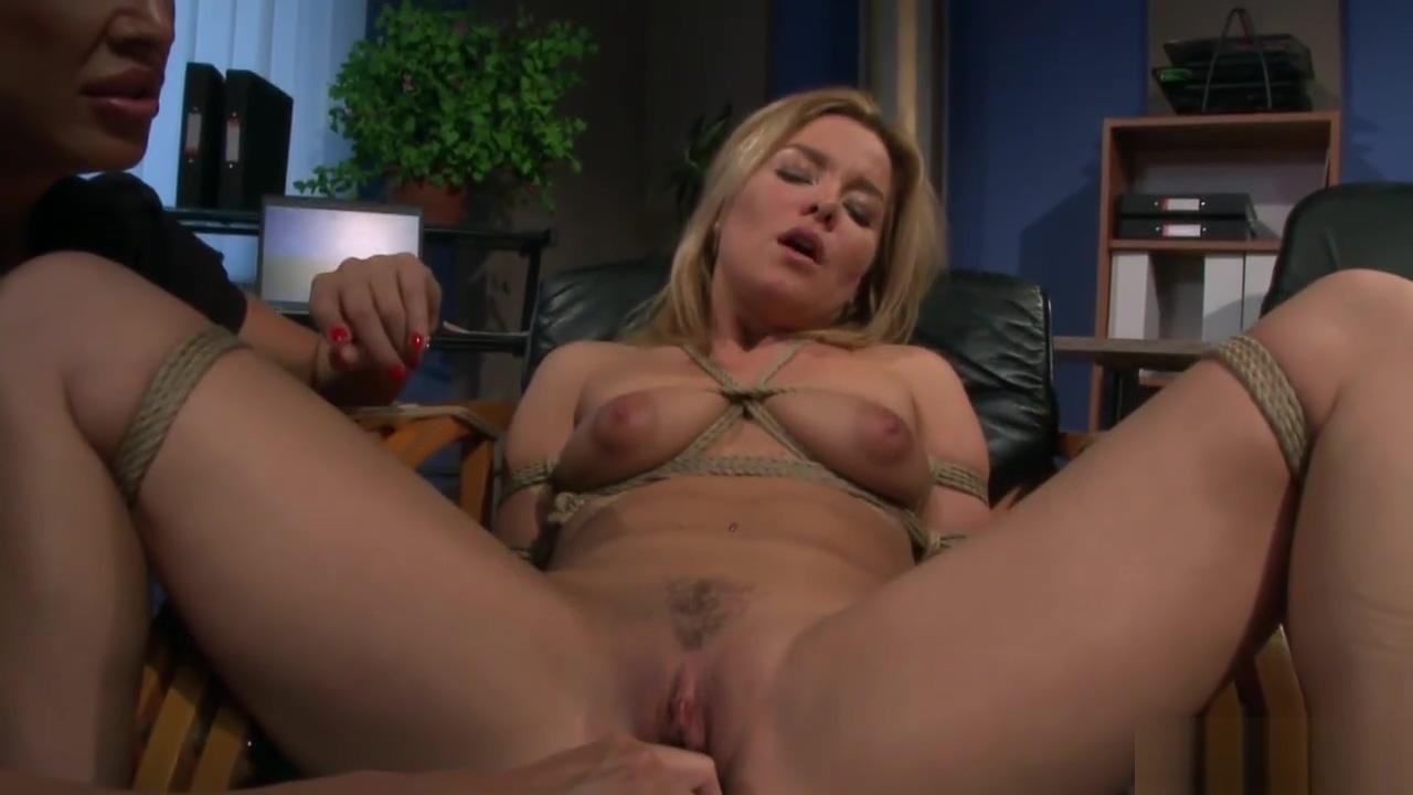 Femdom Lesbians Bondage Hot Babes Displaying my naked wife