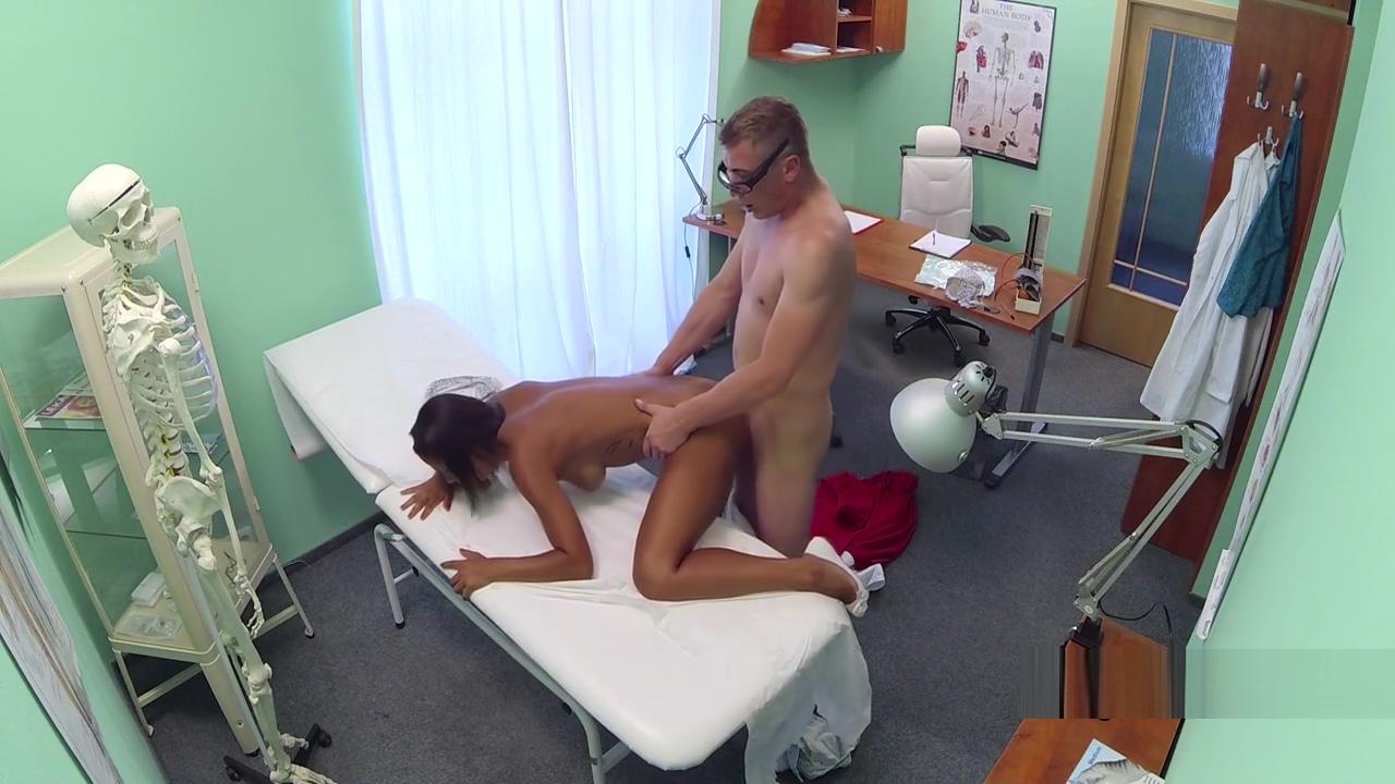 Ebony gal fuck lesbian nurse then doctor