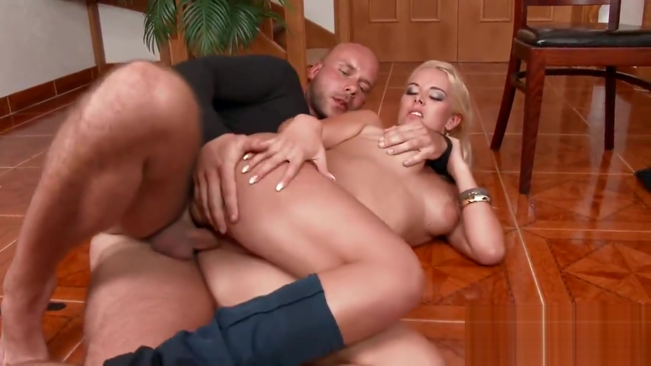Surprised doll in lingerie is geeting peed on and drilled