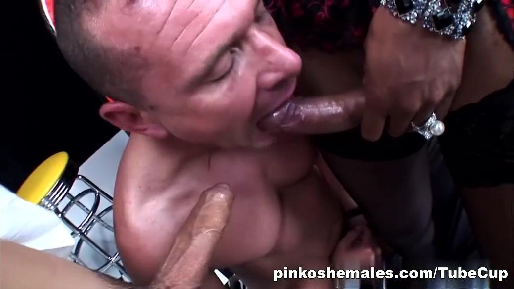 Naked Pictures German masturbation big tits