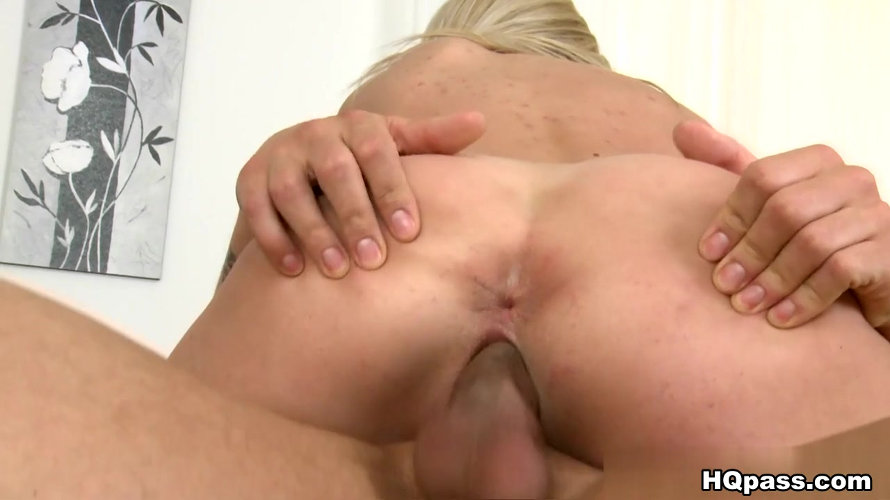 xXx Images Arm in pussy pics