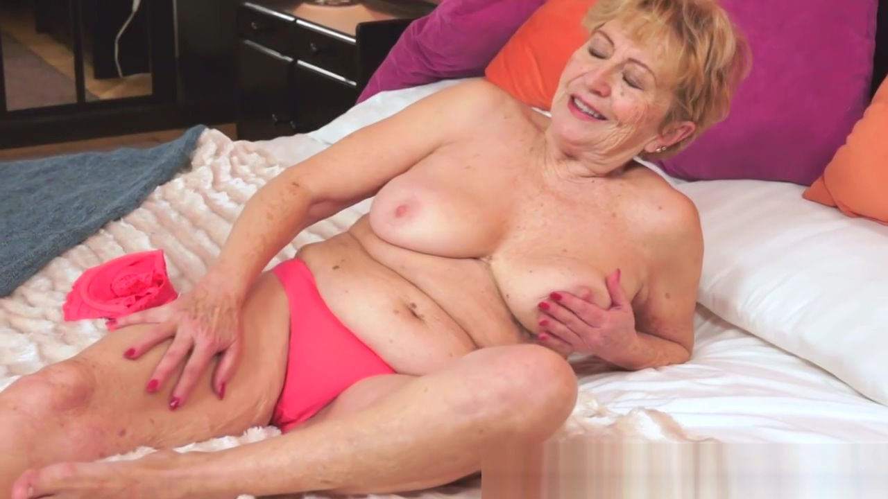Chubby granny screwed after rubbing her tits Soft nude tits