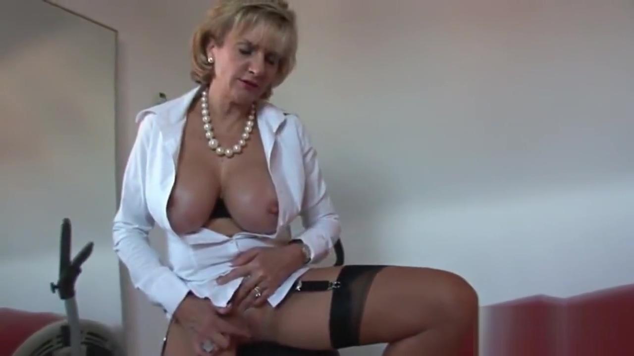 Unfaithful british milf lady sonia showcases her big jugs Deep throat blowjob young
