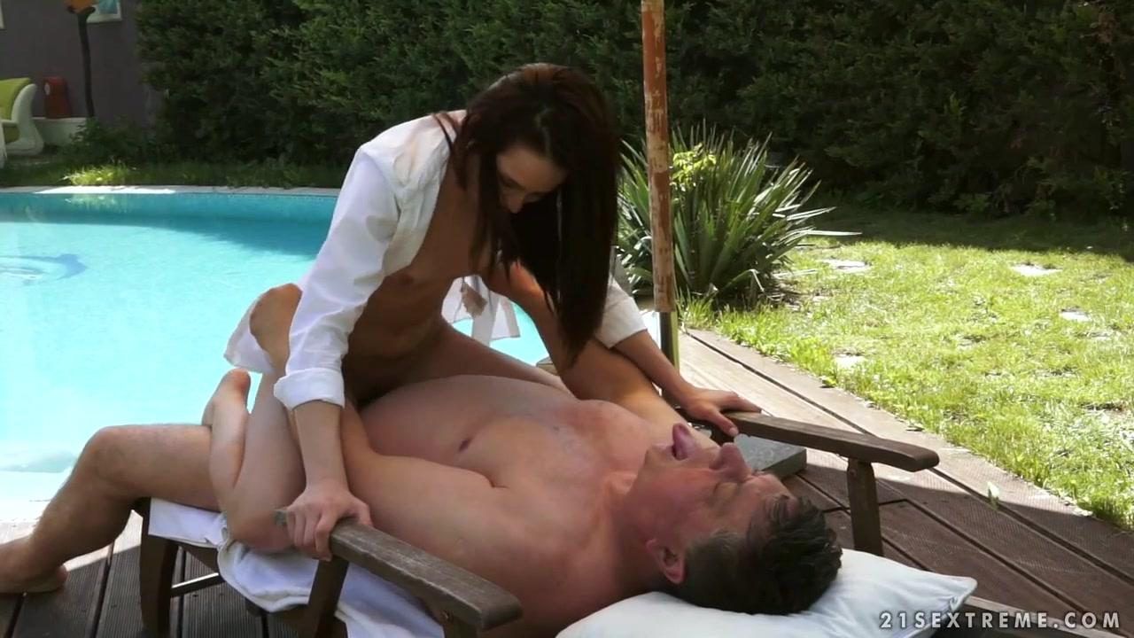 Round ass latina anal Sex photo