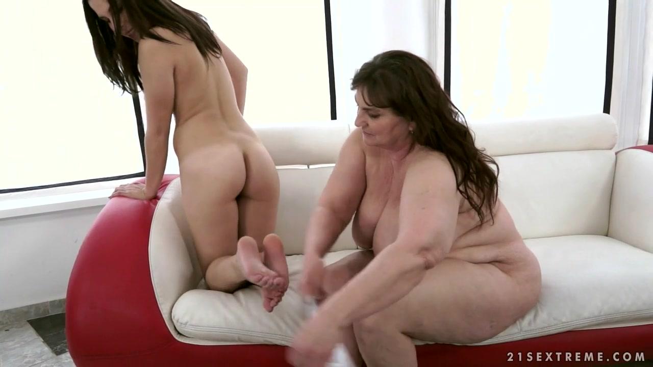 Horny fucks lesbianas Boobs