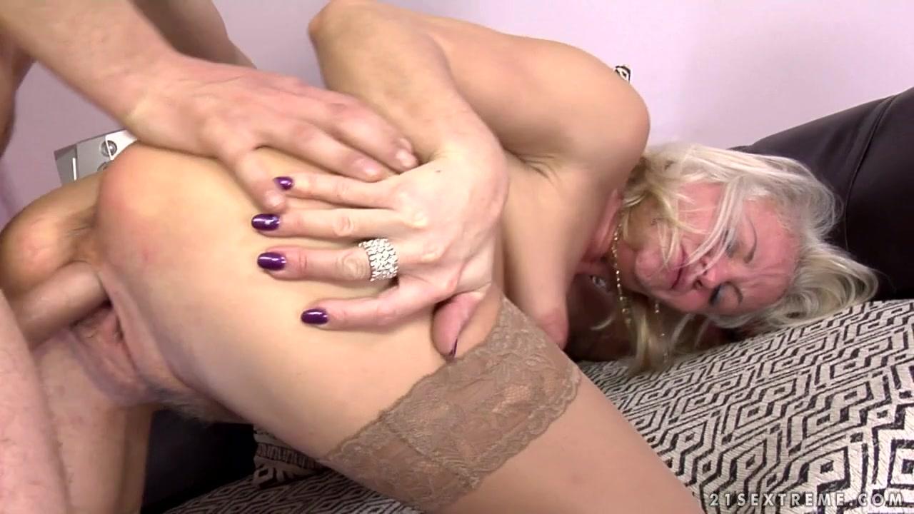 Videos of sucking the clitoris Naked xXx Base pics