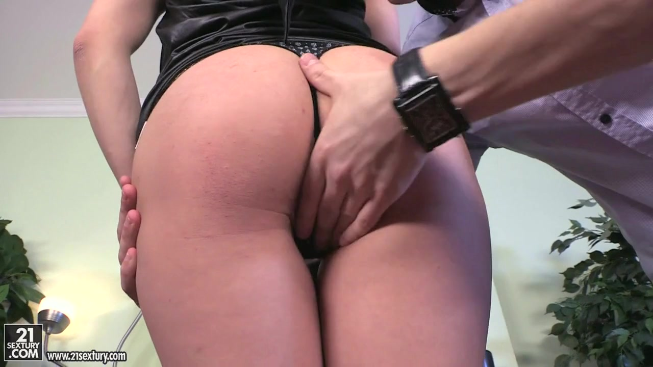 Porn Pics & Movies Sexy big boob redhead