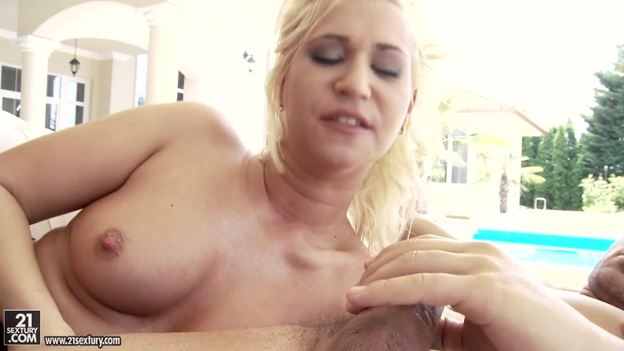 Naked Porn tube Sexy light skin black girl porn