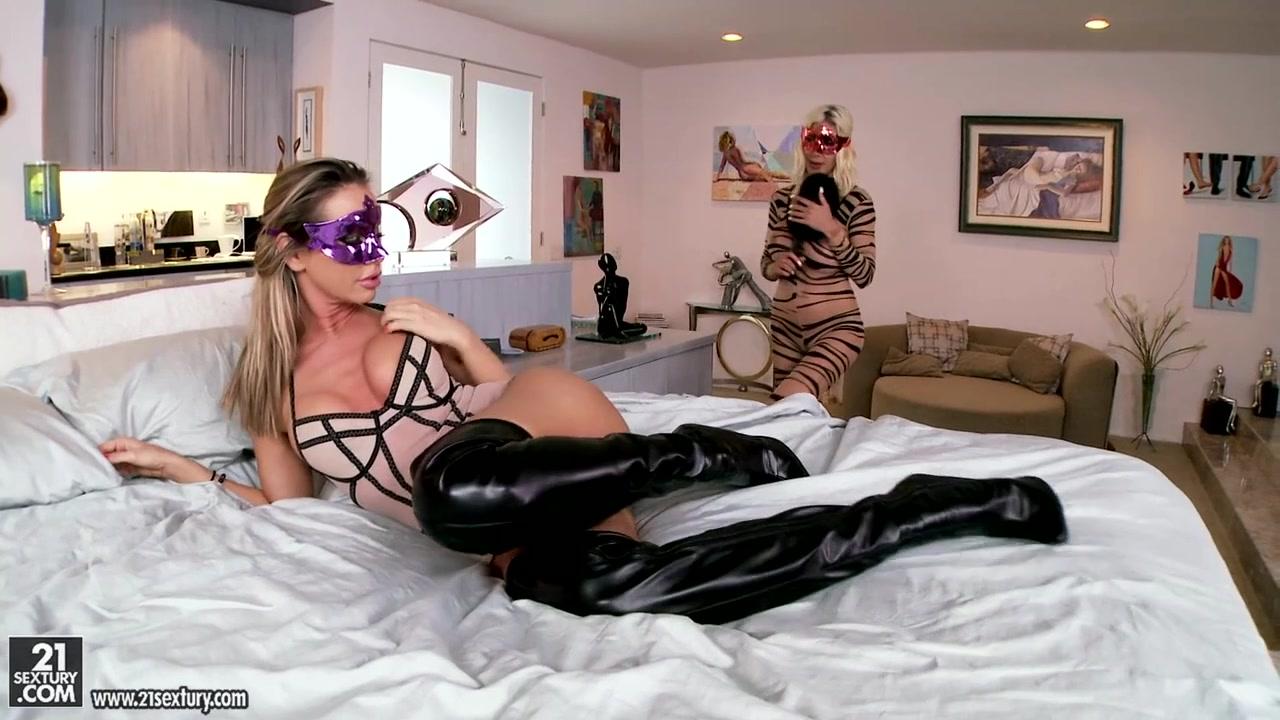 Lesbea fucked Orgy pornos
