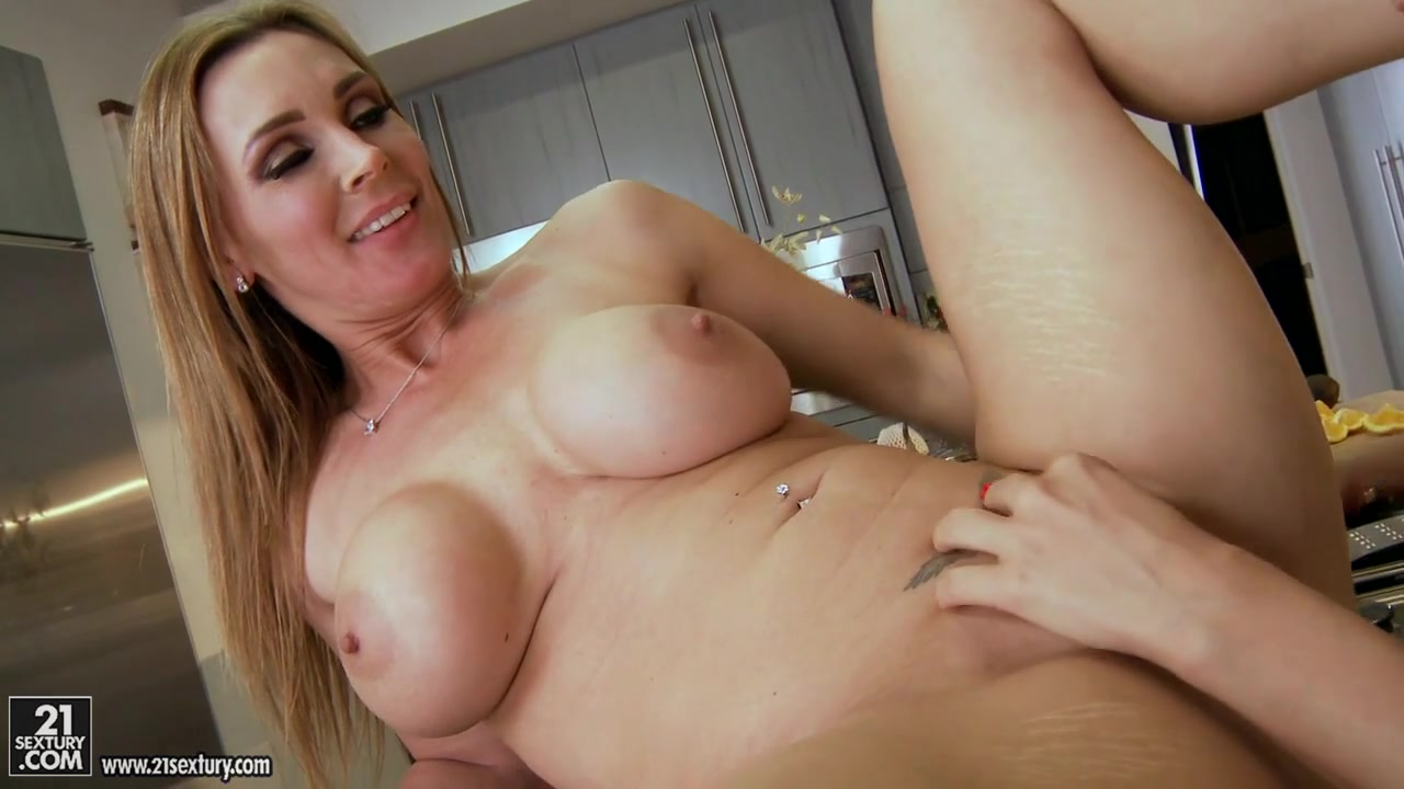 Nude sexy boob girl