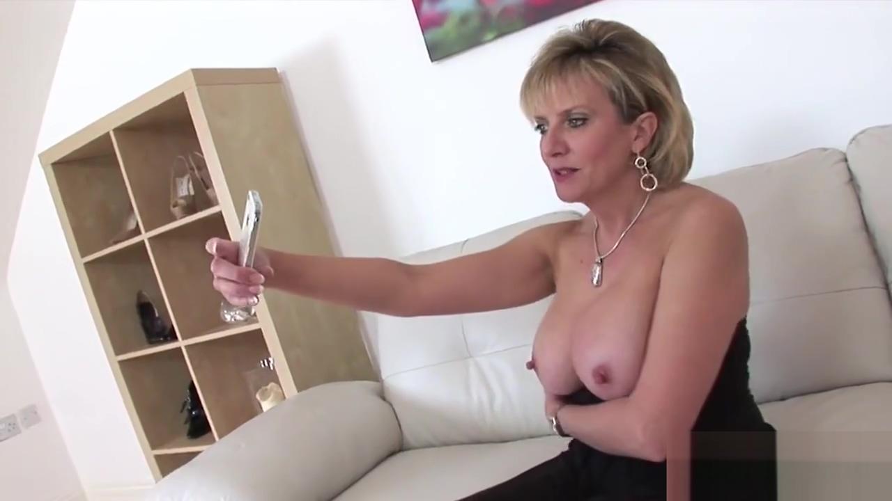 Cheating british mature gill ellis pops out her big boobs Sex Xxxx Viedo