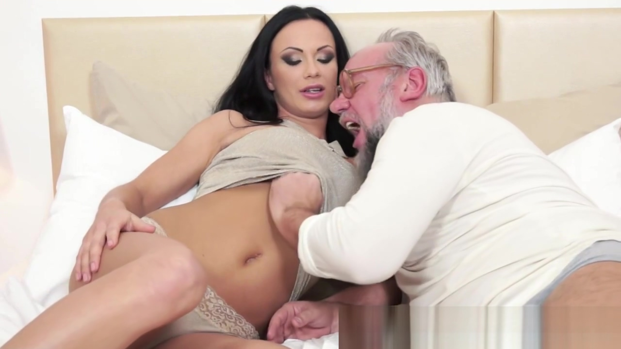 Busty eurobabe fucked passionately by grandpa 3d extreme alien sex tubes