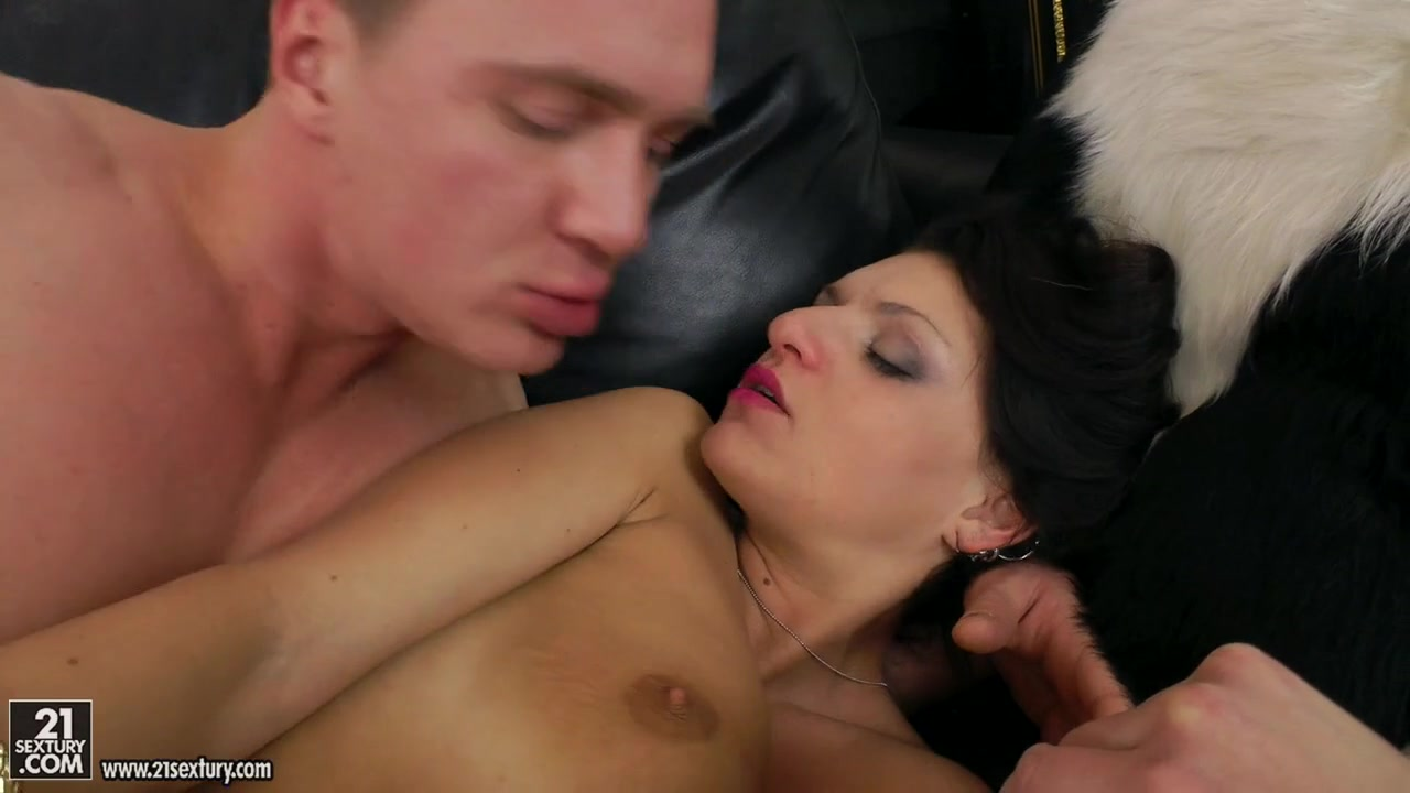 Nude gallery Dark Haired Lesbian Fucked With Anal Dong