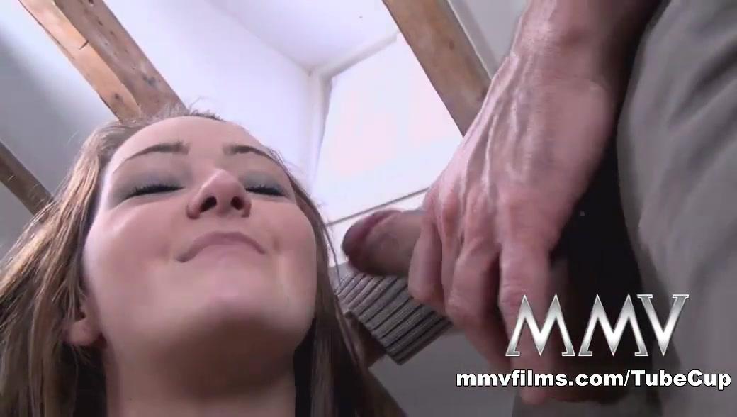 Porn Pics & Movies Milf fazendo boquete sensacional