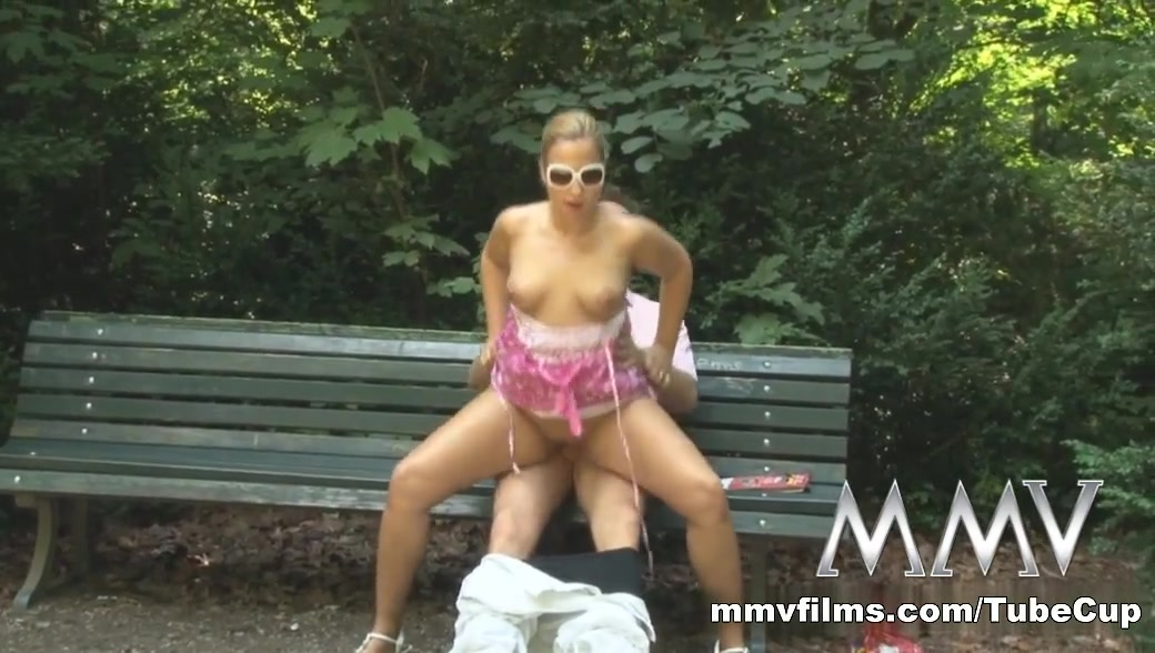 Nude photos 2 black girls suck white cock