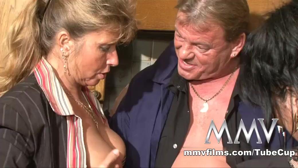 All porn pics Bbw voluptuous threesomes