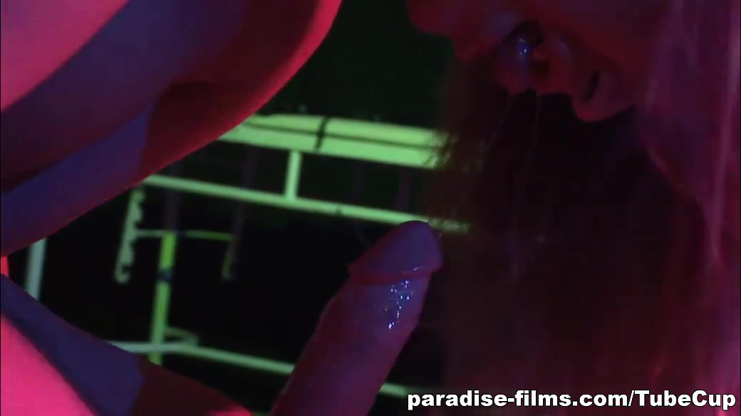 Nude photos Leo dating leo