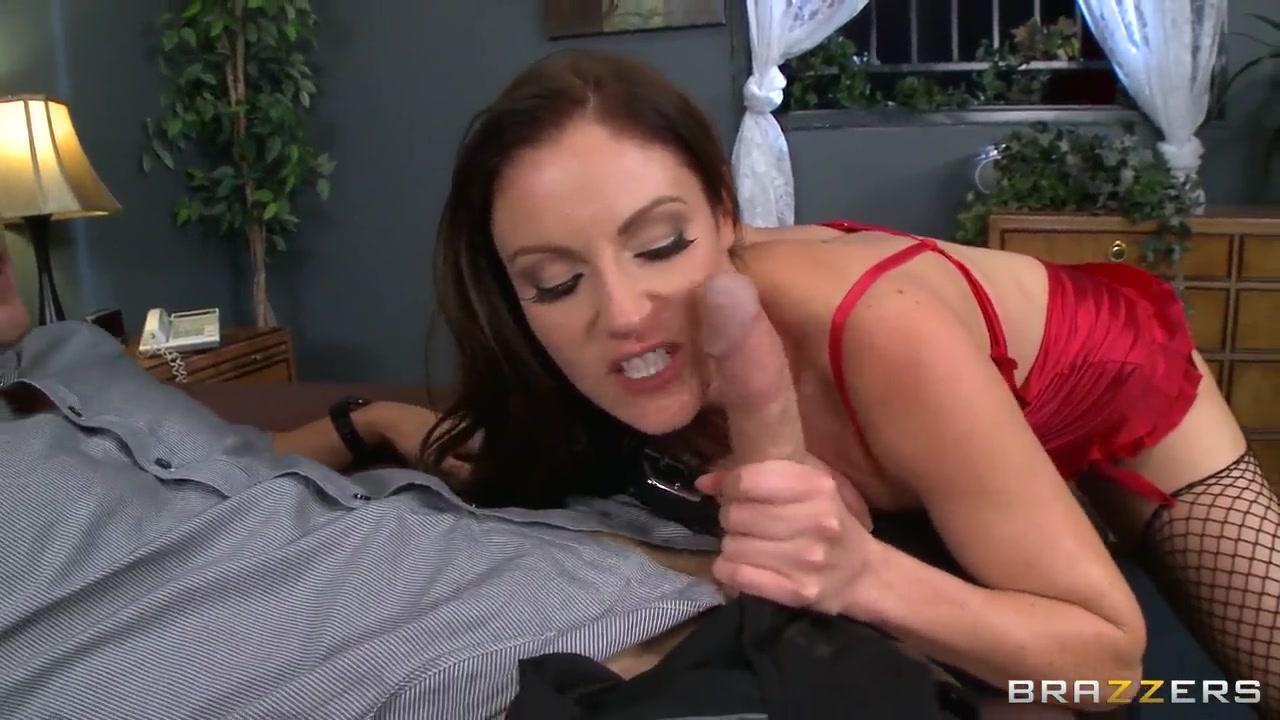 Clip Lesbir sexx masturbates