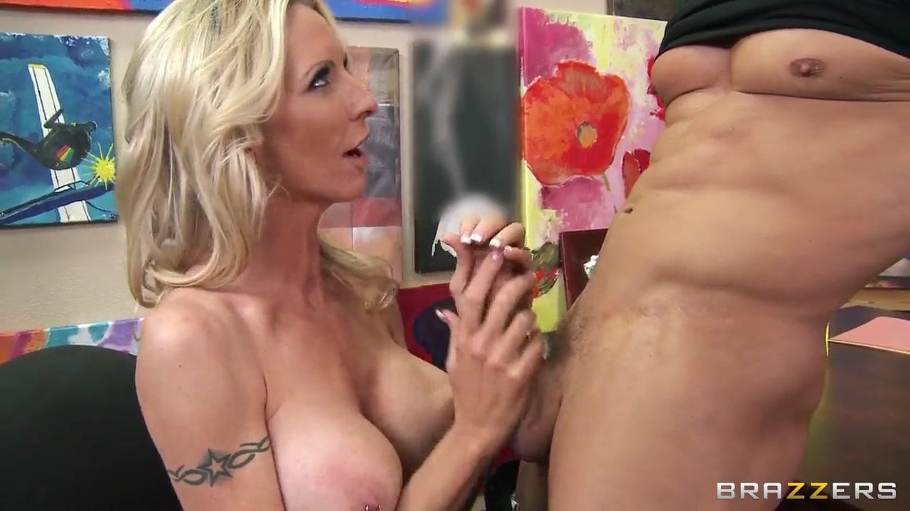 Mickie james lesbian Porn clips