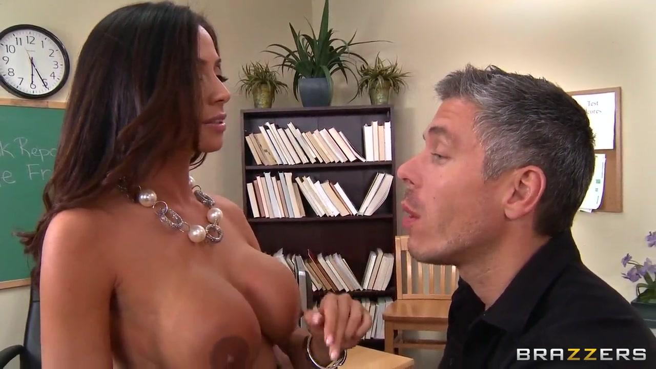 Porn tube Miranda cosgrove sexy bikini
